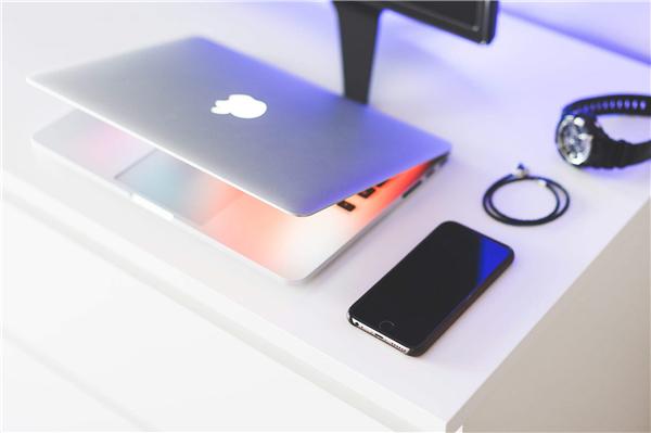 苹果手机怎么清理内存垃圾清理(苹果手机卡得不能动这个方法可以试一试)