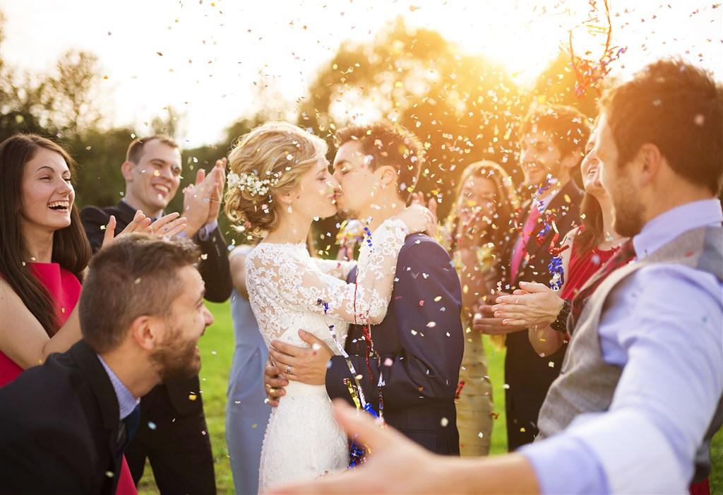 如何办理结婚证(去民政局领证步骤)
