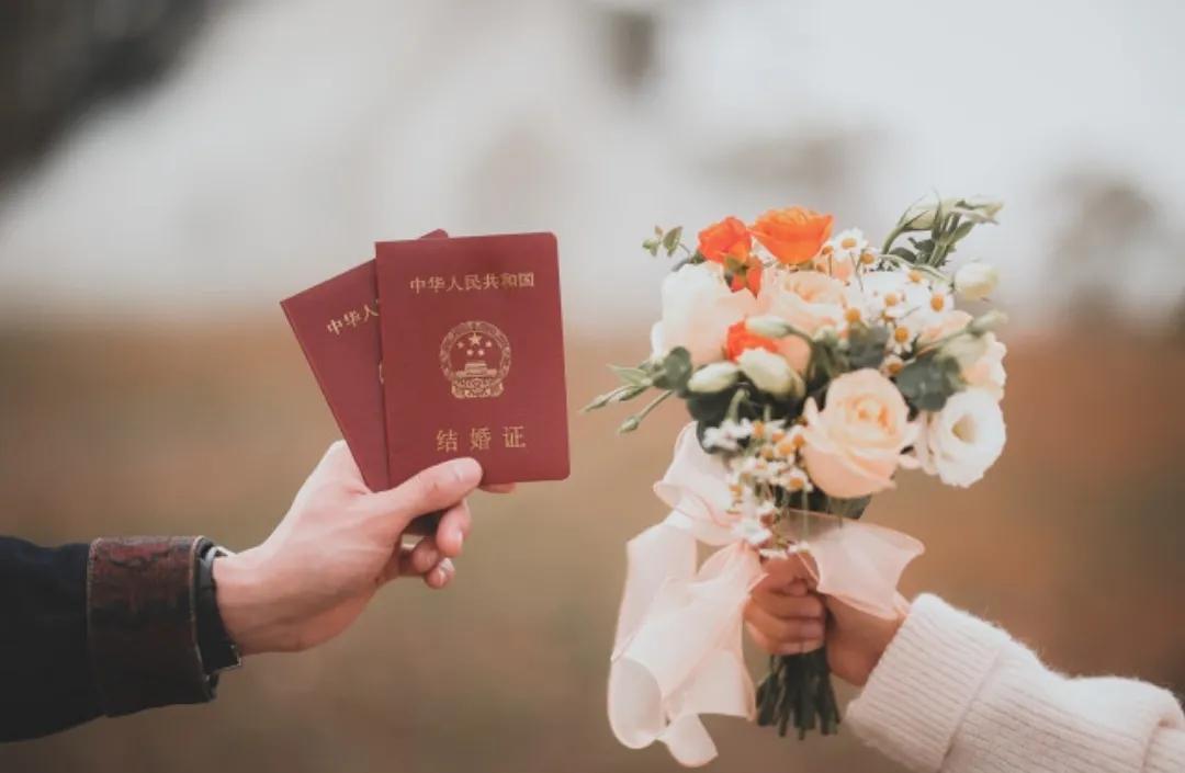 民政局不给补办结婚证(补办结婚证在哪里补办)