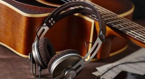 hifi耳机和监听耳机的区别(两款耳机区别介绍)