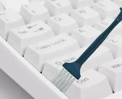 笔记本电脑键盘怎么清洗干净(专业户教你清洗键盘简易方法)